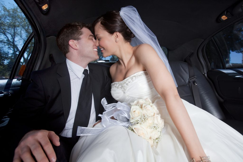 wedding-limo, limo-for-wedding,wedding-transportation,atlanta-wedding-limo-service,wedding transprotation